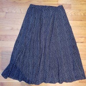 Ultra Chic Black Midi Skirt, size XL